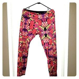 LuLaRoe Jordan Workout Pants